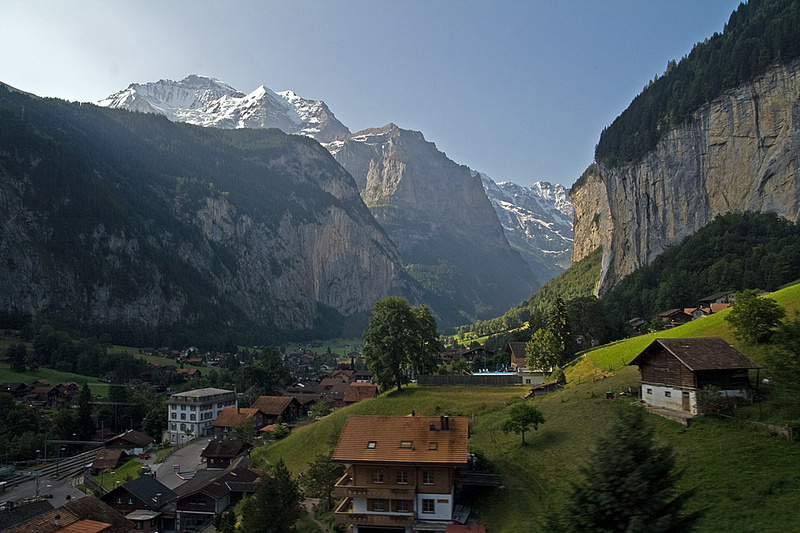 Morning, and on our way down to the valley, and over to Grindelwald.
